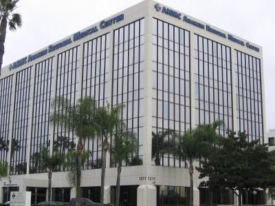 Anaheim-Regional-Medical-Center-front-lit-blue-white-illuminated-channel-letters-Anaheim-CA1