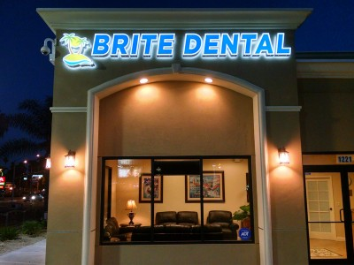 Brite-Dental-Channel-letters-11