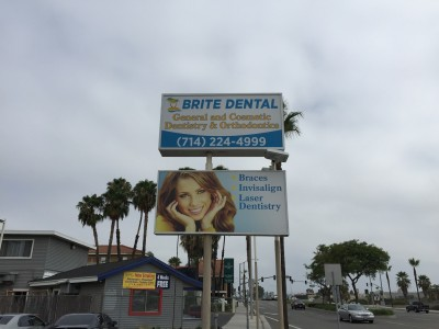 Brite-Dental-Digital-Print-on-New-Lightbox-Face