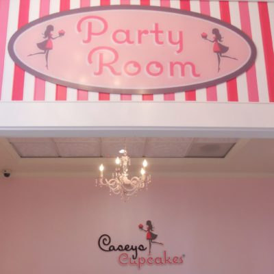 Caseys-Cupcakes-acrylic-panel-and-dimensional-letters