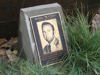City-of-Buena-Park-Police-Dept.-Close-up-of-Cast-Bronze-Plaque-with-Etched-Bronze-Photo