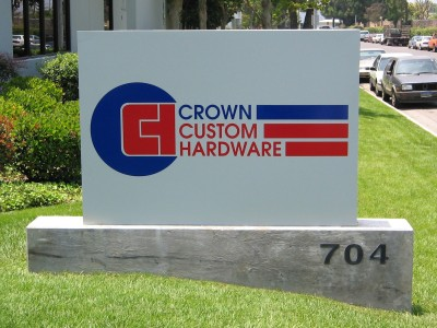 Crown-Custom-nonilluminated-cabinet