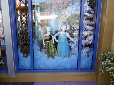 Disney-365-Store-Frozen-Decals-for-window-display