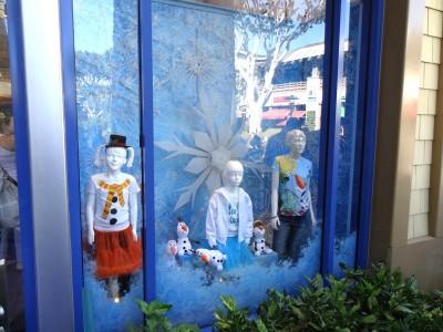 Disney-365-Store-window-snowflakewindow-decals-1