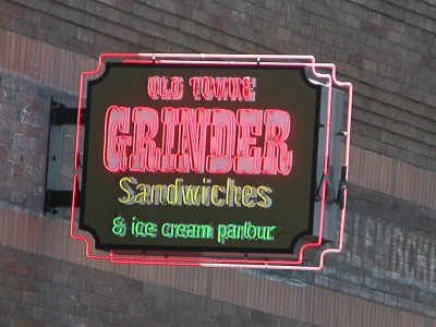 Grinder-Exposed-neon-sign