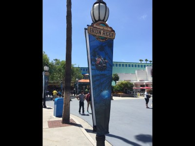 Knotts-Berry-Farm-Vertical-Pole-Banners