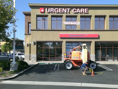 Marquis-Urgent-Care-Front-Lit-Illuminated-Channel-Letters-Front1