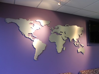 Online-Trading-Academy-brushed-aluminum-world-map-display-1