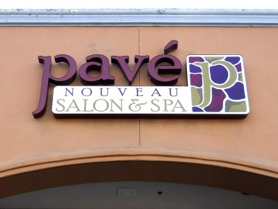 Pave-illuminated-channel-letters