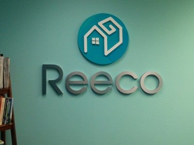 Reeco-metal-laminate-letters-and-acrylic1