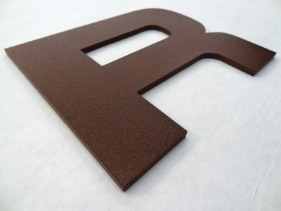 Rizo-Flat-cut-aluminum-with-rust-powdercoat-finish