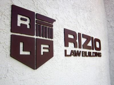 Rizo-Metal-Letters