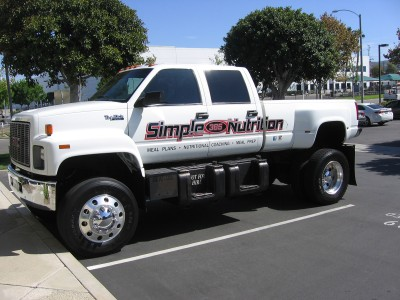 Simple-Nutrition-truck-lettering-1