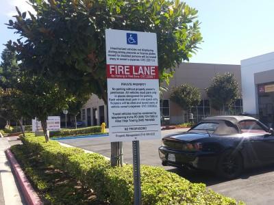 Standard-Regulation-Sign-for-parking-lot-entrances