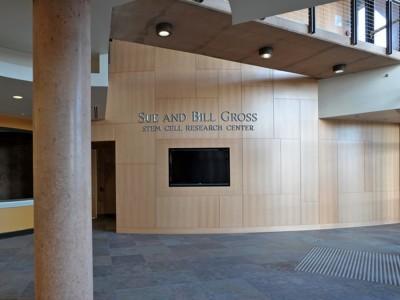 UC-Irvine-Architectural-font-prismatic-cast-aluminum-letters-1
