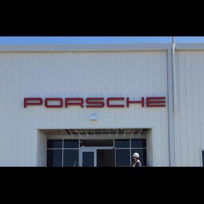 channel-letters-porsche