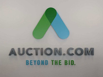 photo-lobby-metal-auctioncom